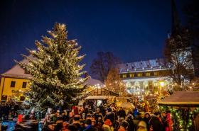 Weihnachtsmarkt Lichterglanz & Budenzauber